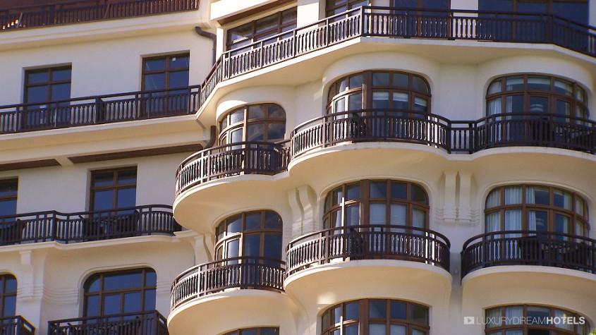 H tel de luxe h tel royal evian resort evian les bains for Hotel de luxe en france