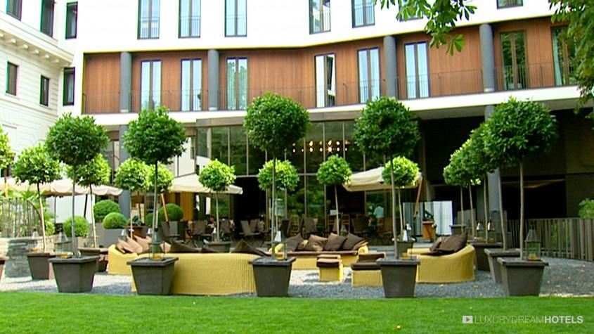 Luxury hotel bulgari hotels resorts milano milan for Garden designer milano