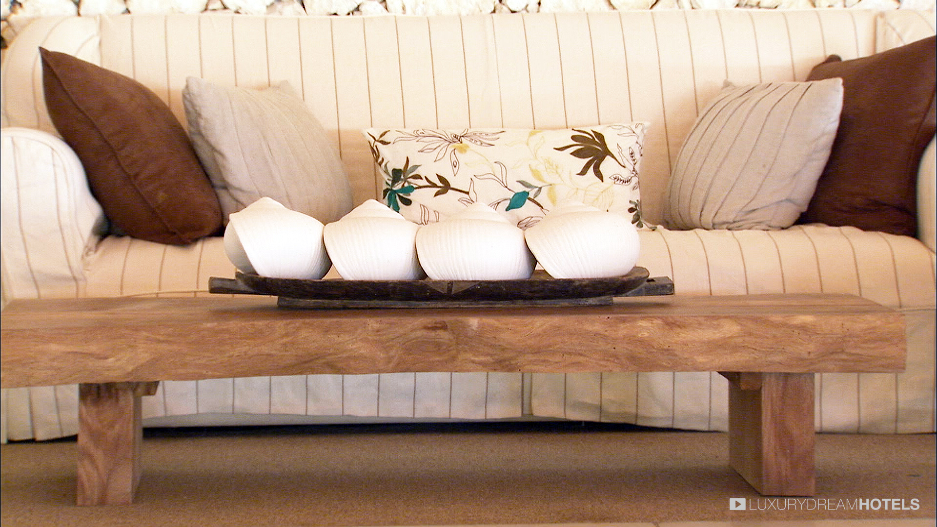 luxury hotel denis private island victoria mahe seychelles