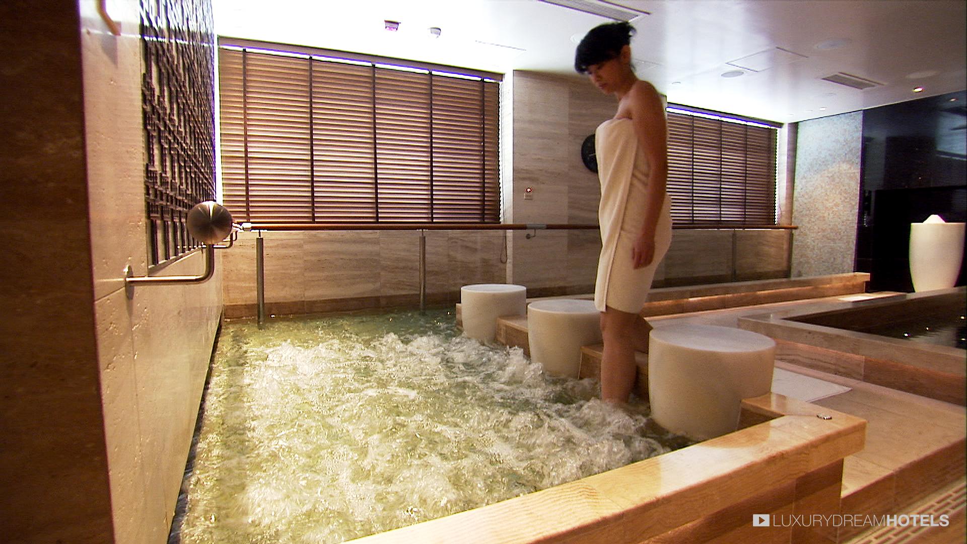 Luxury hotel, Mandarin Oriental Hong Kong, Hong Kong, China