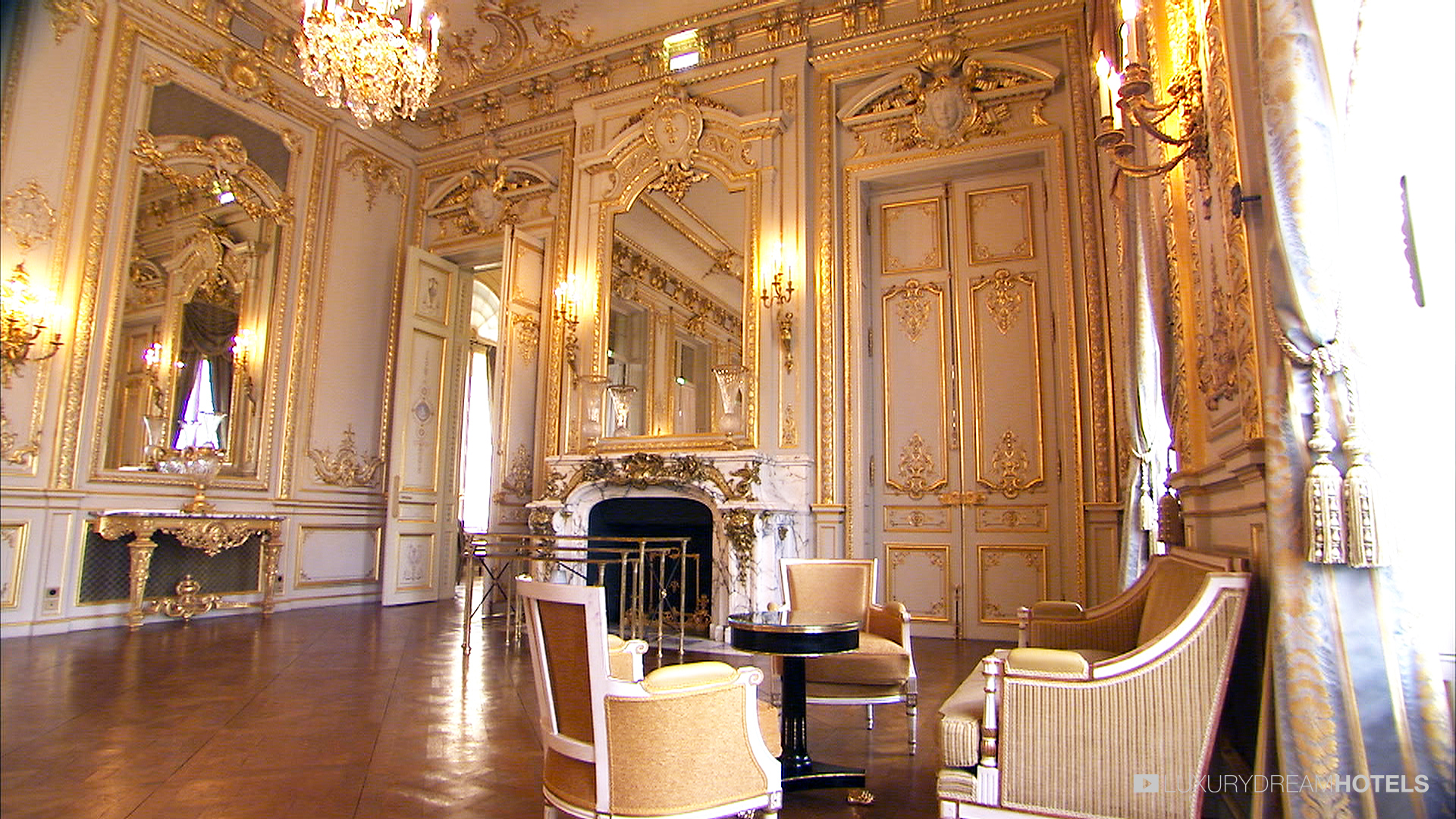 Paris hotels luxury for Luxury hotels paris france