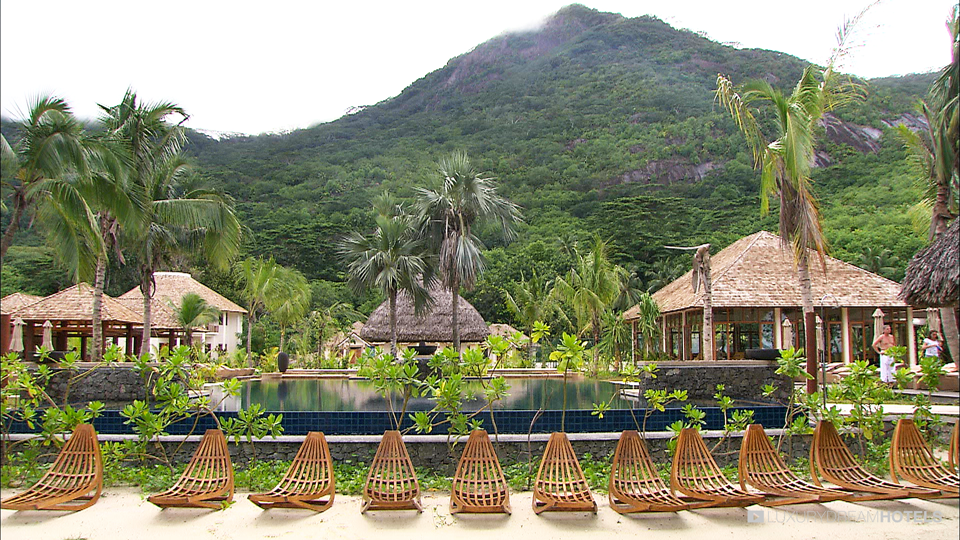 Luxury hotel, Hilton Seychelles Labriz Resort & Spa, Silhouette ...