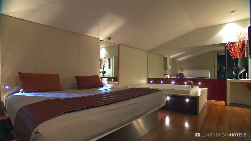 Rooms: Luxury Hotel, Cram L'hotel, Barcelona, Spain